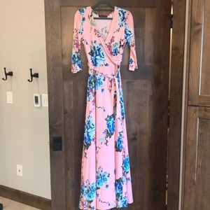 Gorgeous floral wrap dress with tie at waist